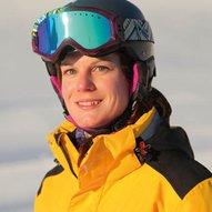 Eszter Skilehrerin