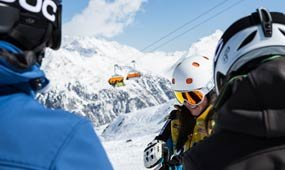 Yellow Power Ski School Tiefenbach Glacier